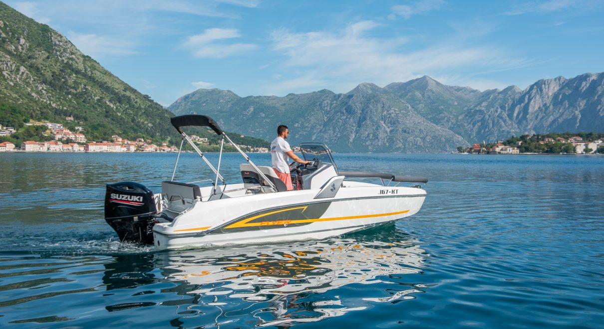 benetteau flyer 6.6 speed boat